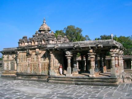 Hindu-Mönch im Tempel