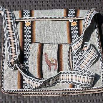 Peruanische Handwerkskunst, Tasche aus Lamahaar