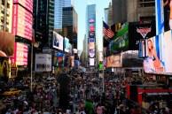 Föllige Reizüberflutung am New York Time Square. So muss sich Internet in 3D anfühlen!