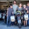 Mary Lou & Lee, Robin und Friends bescheren uns eine farbenfrohe Zeit in Las Vegas. Außerdem dürfen wir Ölwechsel in ihrer Garage machen!
