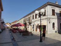 Shkodra besitzt eine topsanierte Kneipenmeile, nur die Touristen fehlen.