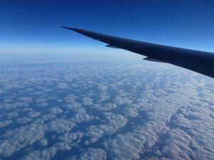 flauschige Wolkendecke weit unten