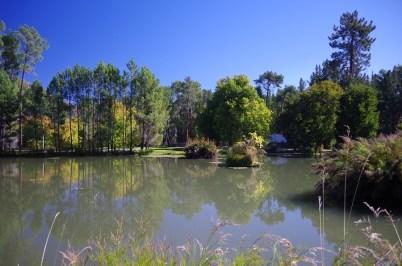 idyllisch – der Teich am Campingplatz in Ceres