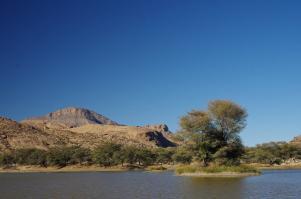 Im Naturpark um die Ameib-Farm gibt es viel Wasser.