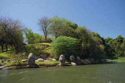 Am Kafue River präsentiert sich die Landschaft abwechslungsreich.