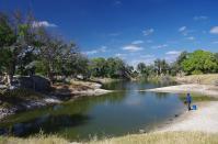 Noch besteht der Thamalakane River aus nur einigen Wasserlachen, das wird sich in naher Zukunft ändern, wenn die Fluten des Okavango...
