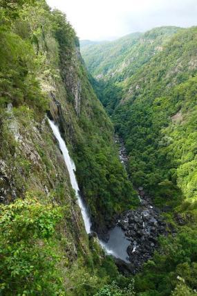 Der Ellenborough Wasserfall stürzt über 160 Meter in die Tiefe.