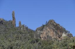 Das Brotmesser im Warrumbungle Nationalpark wurde von dickflüssiger Lava vor mehreren Millionen Jahren geformt.