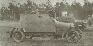 Peugeot und Mors-Panzerwagen Russland