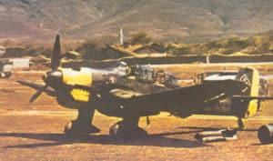 Ju 87B auf einem Flugfeld in Griechenland