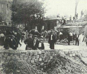 Strassensperren in Paris 1914