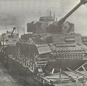 Neue PzKpfw IV auf dem Weg zur Ostfront