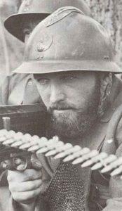 Französischer Soldat mit Hotchkiss M1914 MG