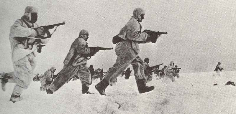 Sturmangriff russischer Infanterie im Winter 1941/42