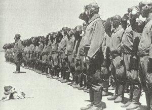 Japanische Bomberpiloten vor einem Einsatz in China