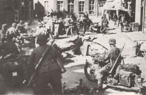Kradschützen der SS-Division Totenkopf
