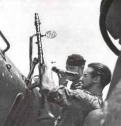 Waffenreinigung auf einem deutschen U-Boot