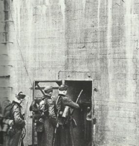 Bunker am Westwall wird besetzt
