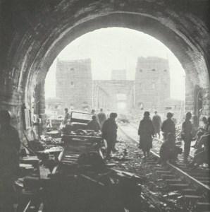 Unzerstoerte Eisenbahnbruecke Remagen