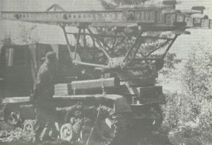 BM-13 uaf Artillerie-Traktor STZ-5