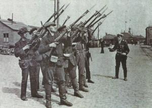 Matrosen mit Ross-Gewehr