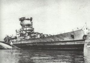 beschädigter Schlachtkreuzer 'Strassbourg' in Toulon