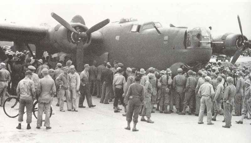 erste B-24 in Großbritannien