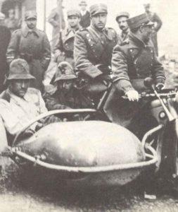 gefangengenommene italienische Offiziere in Griechenland