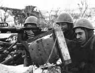 italienische Mannschaft eines 8mm M1935 Fiat Revelli Maschinengewehr