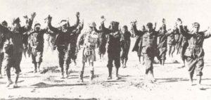 Italienische Soldaten kapitulieren