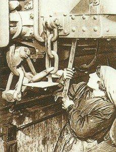 Arbeiterinnen in der Pariser Metro