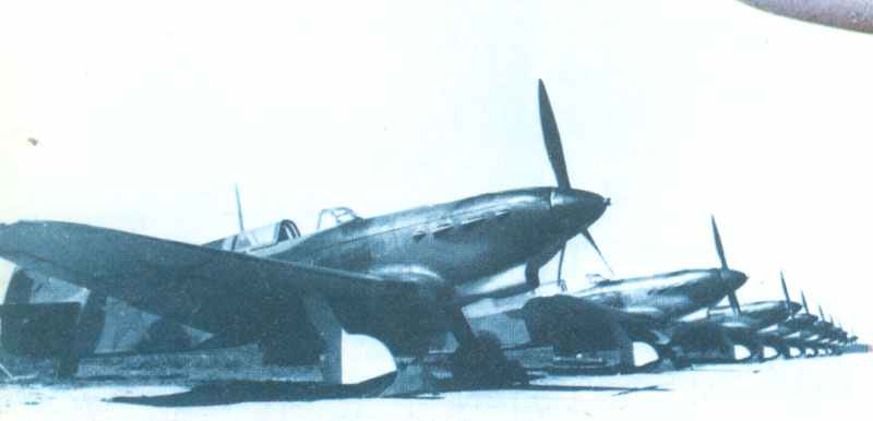 Neu fertiggestellte Jak-1
