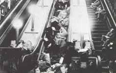 Stationen der Londoner U-Bahn dienen als Luftschutzkeller