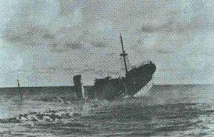 sinkender Frachter