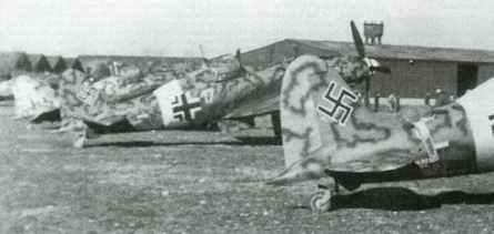 C.205V Veltros mit deutschen Abzeichen vom II./JG77