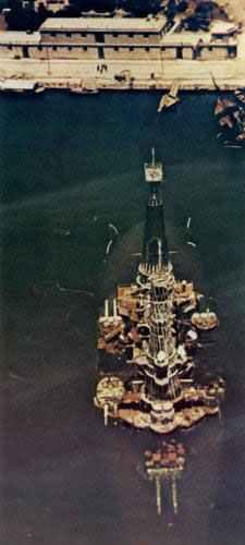 Schlachtschiff  Kilkis auf dem Grund des Hafens