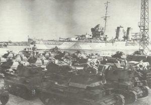 Britische Panzer im Nahen Osten ausgeladen
