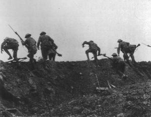 Britische Infanterie tritt  zm Angriff an