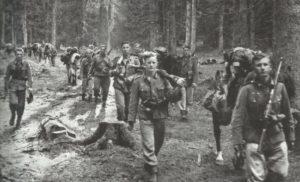 Deutsche Infanterie im Vormarsch