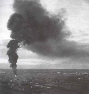 Tanklager von Leningrad brennen