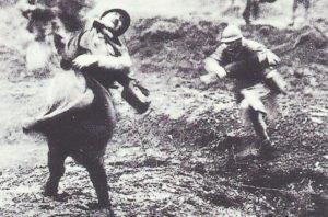 französischer Soldat fällt