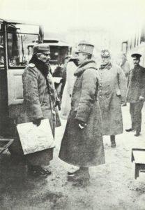 Kaiser Wilhelm II. von Deutschland (links) und Kaiser Karl I. von Österreich-Ungarn (rechts