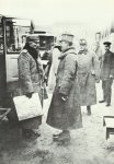 Kailser Wilhelm II. von Deutschland (links) und Kaiser Karl I. von Österreich-Ungarn (rechts