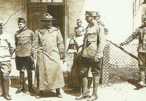 US-Militärbeobachter bei einem Besuch der österreich-ungarischen Linien