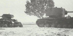 KV-2 und T-26