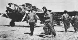 SM.79 Sparviero startbereit zum Angriff auf Malta