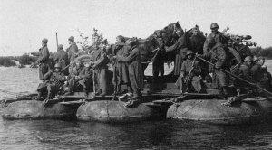 russische Soldaten auf der Wolga