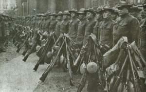 US-Truppen mit Springfield-Gewehren
