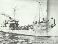 deutsches Transportschiff im Mittelmeer