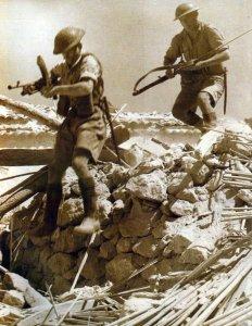 Britische Soldaten auf Sizilien 1943